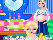 Baby Elsa Bubble Bath