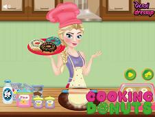 Elsa Cooking Donuts