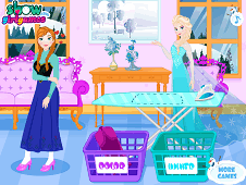 Elsa Washing Clothes For Anna
