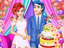 Ariel and Eric Wedding Cake Cooking