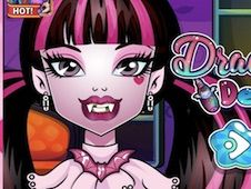 Draculaura Dentist