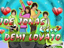 Joe Jonas Kiss Demi Lovato